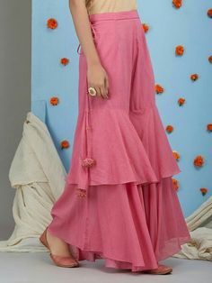 Salwar pants - Old Rose Mulmul Sharara Sleeves Designs For Dresses, Dress Neck Designs, Blouse Designs, Funky Dresses, Stylish Dresses, Casual Dresses, Sharara Designs, Kurti Designs Party Wear, Designer Party Wear Dresses