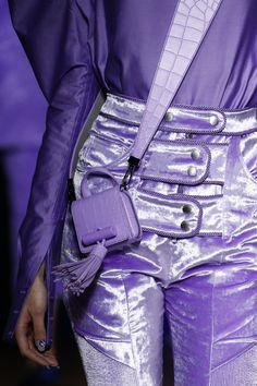 Kenzo Fall 2016 Ready-to-Wear Fashion Show - Lila Purple Fashion, Trendy Fashion, Fashion Show, Womens Fashion, Fall Fashion, Paris Fashion, Lila Outfits, Purple Outfits, Trendy Outfits