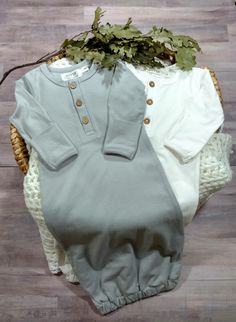 Exclusive Lucy Lue Organics Newborn coming home outfit . Luxury baby basics. Baby boy clothes. Baby girl clothes. Modern clothes. Organic Layette. Newborn gown Unisex baby clothes. Baby room. Hospital bag. Pregnancy. New mom. Postpartum. Minimalist baby clothes. #myshopstyle #shopthelook