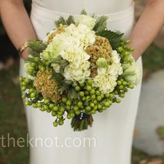 Green wedding bouquet | Photographer: Josh Merideth, Bella Grace Studios | Bouquet: Deanna Dillender, Great Expectations