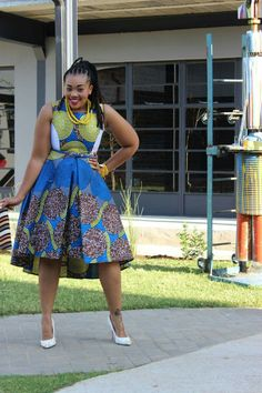 Hello Divas, For you to look Captivating week, I ve selected this Famous African Dresses 2018 for you. You shouldn't be conce. African Print Dresses, African Fashion Dresses, African Dress, African Prints, African Attire, African Wear, African Women, African Style, Styles For Native Gowns