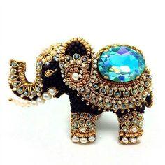 Embroidery jewelry diy inspiration 42 new Ideas Bead Crafts, Jewelry Crafts, Jewelry Art, Beaded Jewelry, Jewelry Bracelets, Jewelry Findings, Wire Jewelry, Jewelry Accessories, Bead Embroidery Jewelry