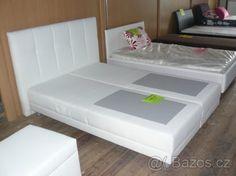 bílá postel 4900