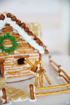 Holidays Gingerbread house ideas from Hallmark artists Homemade Gingerbread House, Graham Cracker Gingerbread House, Halloween Gingerbread House, Gingerbread House Template, Cool Gingerbread Houses, Gingerbread House Designs, Gingerbread House Parties, Gingerbread House Decorating Ideas, Gingerbread Cookies