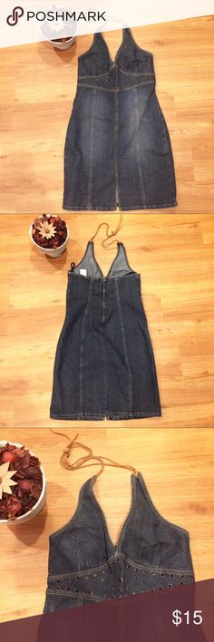 ⚜️Z. Cavaricci Denim Halter Dress Vintage Never worn. Like new condition. No issues. Ties behind the neck. Has stretch. Split in the fron, zips up in back. Z. Cavaricci Dresses Midi