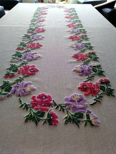 This Pin was discovered by Asu Embroidery Patterns Free, Embroidery Stitches, Hand Embroidery, Cross Stitch Patterns, Embroidery Designs, Cloth Table Covers, Free To Use Images, Wool Applique, Cutwork