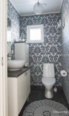 Kodin vieras-wc Bathroom Bath, Small Bathroom, Bathroom Ideas, Toilet Plan, Small Toilet Room, Farmhouse Style Decorating, Wall Wallpaper, My Dream Home, Interior Inspiration