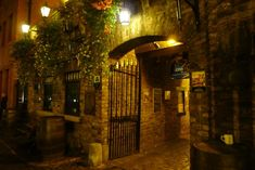 The Brazen Head – possibly Dublin's oldest pub. Some say it's haunted by rebel leaders who once drank here....