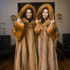 Eric Kramer, Fox Fur Coat, Fur Coats, Fabulous Fox, Fur Accessories, Red Fox, Fur Fashion, These Girls, Asian Woman