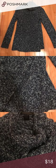Ann Taylor sweater Ann Taylor navy blue and light blue sweater Ann Taylor Sweaters Cowl & Turtlenecks