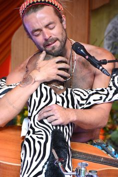 Xavier Rudd at Beloved Festival 2013 Xavier Rudd, Follow Follow, Sacred Art, Pencil Portrait, Art Festival, Beautiful Soul, Mystic, Singers, Musicians