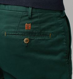 SLIM-FIT CHINOS - Chino trousers - Trousers - MEN - United States of America / Estados Unidos de América