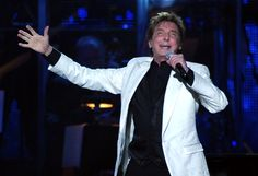 Barry Manilow Photos: 2011 MusiCares Person Of The Year Tribute To Barbra Streisand - Show