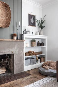 Style Deco, Home Living Room, Home Room, Decor For Living Room, Apartment Living, Living Room Shelving, Living Room Fireplace, Fireplace Modern, Faux Fireplace