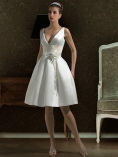This is a default index page for a new domain. Wedding Dresses Uk, V Neck Wedding Dress, Tea Length Wedding Dress, Bridal Gowns, Bridesmaid Dresses, Simple Elegant Wedding Dress, Mode Glamour, Pregnant Wedding Dress, Bridal Style