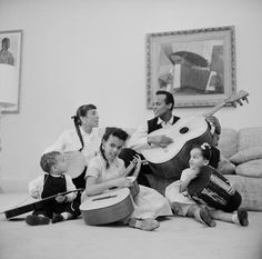 Singer Harry Belafonte playing his guitar and singing w family members who are also playing instruments LR son David wife Julie and daughters. Harry Belafonte, Hollywood Music, Old Hollywood, Julie, Classic Films, Life Images, Image Collection, Classic Hollywood, Singing