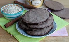 Pancakes pancia piatta   Pancakes proteici al cacao Cosa sono i pancakes pancia piatta? Sono uno spuntino salutare, senza zuccheri e senza grassi aggiunti.