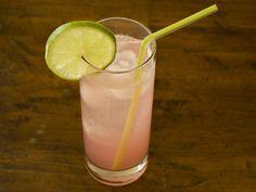Rhubarb Sparkler // Just found my first postpartum drink