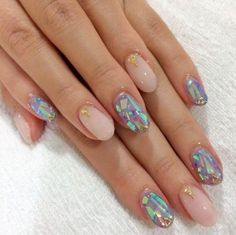 Who says neutrals have to be boring? Play up your mani with a little holographic shimmer.Image via Pinterest | Tumblr.