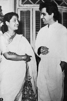 Suchitra Sen, Old Film Stars, Satyajit Ray, Film World, Cute Pikachu, Vintage Bollywood, Indian Film Actress, Hindi Movies, Film Director
