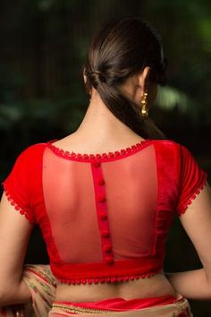 transparent blouse for chiffon sarees Here are 25 latest Chiffon Saree Blouse Designs that are trendy and stylish. These latest blouse designs are suitable for all occasions Netted Blouse Designs, Stylish Blouse Design, Fancy Blouse Designs, Latest Saree Blouse Designs, Indian Blouse Designs, Cotton Saree Blouse Designs, Red Blouse Saree, Floral Blouse, Latest Blouse Patterns