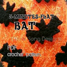 You will receive the Five-MInutes-Flat Bat crochet pattern. Simply cute and festive. Decorate costumes, trick-or-treat bags, canvas bags, etc.