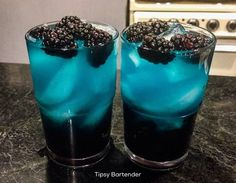 We are going crazy tonight with our Trippy Ass Lemonade Cocktail! Our Trippy Ass Lemonade Cocktail is made with Grape Pucker, Berry Fusion Pucker, Drink Bar, Liquor Drinks, Non Alcoholic Drinks, Cocktail Vodka, Lemonade Cocktail, Lemonade Drink, Tipsy Bartender, Halloween Drinks, Liqueur