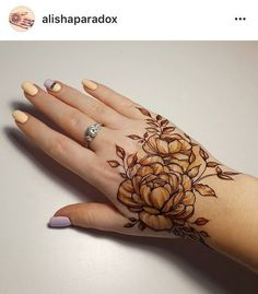 50 Most Attractive Rose Mehndi designs o try - Wedandbeyond Pakistani Mehndi Designs, Khafif Mehndi Design, Floral Henna Designs, Mehndi Design Photos, Mehndi Designs For Fingers, Beautiful Mehndi Design, Latest Mehndi Designs, Henna Tattoo Designs, Leg Henna Designs