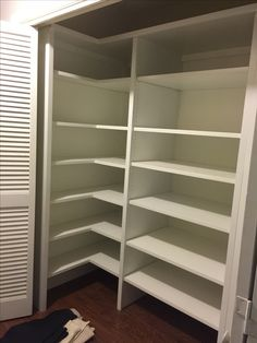 This is the left side of the closet. The wrap around adjustable shelving allows for towel storage on the main part of the shelf - two deep and three high - with face cloth and hand towels on the side shelf. Easy reach and easy put away.