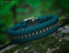 Forest Spirit - Paracord bracelet with Exclusive bronze buckle Terms of ordering days Attention! When choosing a size, keep in mind that it is not the length of the bracelet. It is wrist size in circumference. Runic Compass, Trinity Knot, Bear Paws, Thors Hammer, Brass Buckle, Paracord Bracelets, Bronze, Mens Fashion, Edc