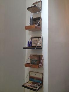 Use bronze smaller link chain Cigar Box Diy, Cigar Box Crafts, Altered Cigar Boxes, Diy Box, Cigar Holder, Interior Design Living Room, Interior Decorating, Cigar Box Projects, Diy Home Decor