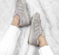 adidas Superstar Granite. Hier entdecken und shoppen: https://sturbock.me/CpX