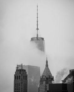 2015-04 Back to a foggy New York. #toptravelspot #usa #newyork #brooklyn #downtown #wallstreet #fog #freedomtower #locationindependent #blackandwhite  #instantraveling #instatraveling #travelphotography #sonyalpha