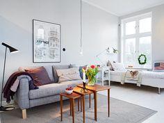 Misez sur le duo chambre salon dans la même pièce-c'est une solution assez pratique,en particulier pour les studios contemporains.Habiter une petite surface