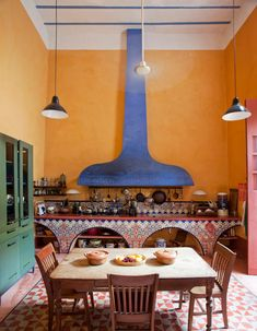 Mexican Kitchen Decor, Mexican Home Decor, Mexican Kitchens, Mexican Hacienda Decor, Mexican Dining Room, Mexican Interior Design, Home Interior Design, Mexican Style Homes, Mexican Colors
