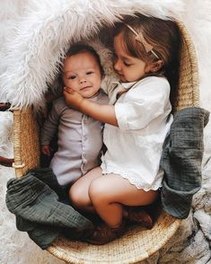 Image uploaded by Katerina. Find images and videos about baby, family and kids on We Heart It - the app to get lost in what you love. Beautiful Children, Beautiful Babies, Newborn Photos, Baby Photos, Newborn Sibling, Sibling Photos, Children Photography, Newborn Photography, Photography Ideas