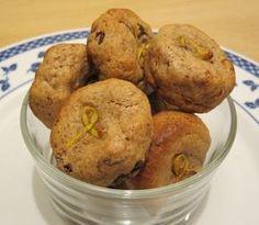 Biscotti rustici senza zucchero con farina di castagne e prugne secche