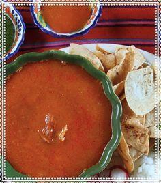 Sin duda la comida mexicana es deliciosa y tiene una gran variedad de platillos que se hacen notar más en días festivos como el 15 de septiembre. Pero si estás buscando una manera sana de disfrutar de los diferentes alimentos que se ofrecen en la noche mexicana y de prepararlos por ti misma, aquí te damos cómo hacerlo de la mano de las expertas