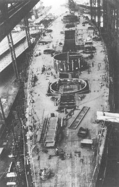 historicaltimes:The Bismarck under construction at a shipyard in Hamburg, 10 September 1938. via reddit Continua a leggere Blohm & Voss