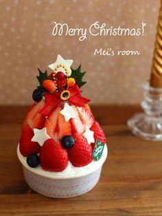 苺でデコ☆クリスマスツリーケーキ
