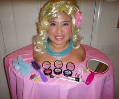 A Barbie Styling Head Halloween Costume/ i am dying right now. I loved my Barbie styling head! Cute Costumes, Creative Halloween Costumes, Cute Halloween, Costume Ideas, Barbie Halloween, Halloween Clothes, Halloween Costume Winners, Halloween Makeup, Original Halloween Costumes