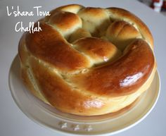 Perfect challah recipe - and braiding techniques! For round challah for Rosh Hashanah Best Challah Recipe, Challah Bread Recipes, Crockpot, Gluten Free Pie, Baking Stone, Jewish Recipes, Instant Yeast, Bread Rolls, Yeast Rolls