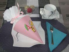 Schultüten - Einschulung Gastgeschenk   Schultüte befüllbar - ein Designerstück von Wonderful-Paper-Art bei DaWanda