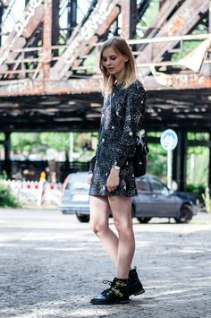 See by Chloé Star Dress, black Radley Bag, black Stud Boots, cute Look - Hamburg, Streetstyle, Outfit, Blogger