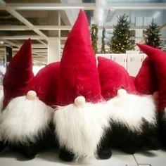 Aussie Christmas, Australian Christmas, Hot And Humid, Christmas Crafts, Christmas Ornaments, Gnomes, Scandinavian, Felt, Treats