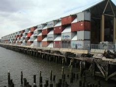 Nomadic museum made of containers