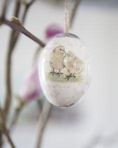 Heng vakre påskeegg på vårens grener: https://www.mestergronn.no/pynt-til-paaske/cms/194
