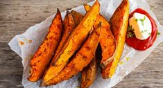 Recipe: Baked Cajun Sweet Potato Fries – Health Essentials from Cleveland Clinic Crispy Sweet Potato Wedges, Sweet Potato Slices, Sweet Potato Recipes, Fried Potatoes Recipe, Grilled Sweet Potatoes, I Love Food, Good Food, Snacks Für Party, Granola