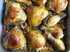 Frango com açafrão e coentros secos sobre legumes - http://gostinhos.com/frango-com-acafrao-e-coentros-secos-sobre-legumes/