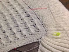 ROPITA PARA BEBES HECHA ARTESANALMENTE Crochet Motif, Knit Crochet, Crochet Patterns, Knitting Stiches, Baby Knitting, Julia Sanchez, Ravelry, Diy And Crafts, Stitch